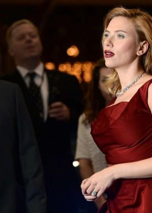 Scarlett Johansson in Red Dress - Premiere Captain America: The Winter Soldier-01