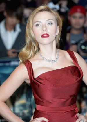 Scarlett Johansson in Red Dress - Premiere Captain America: The Winter Soldier-03