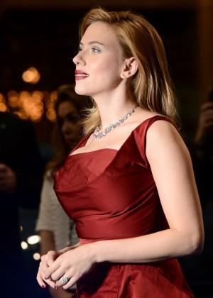Scarlett Johansson in Red Dress - Premiere Captain America: The Winter Soldier-04
