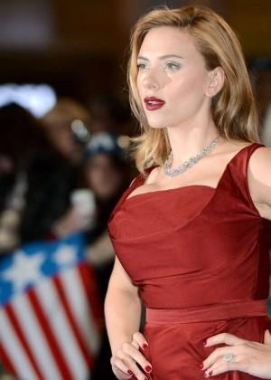 Scarlett Johansson in Red Dress - Premiere Captain America: The Winter Soldier-05