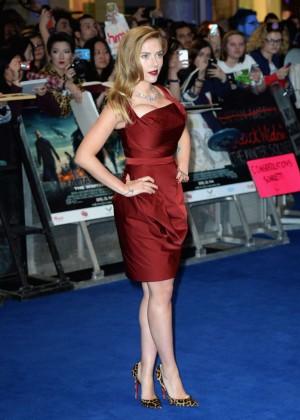 Scarlett Johansson in Red Dress - Premiere Captain America: The Winter Soldier-09