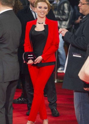 Scarlett Johansson - Captain America: The Winter Soldier Premiere -10