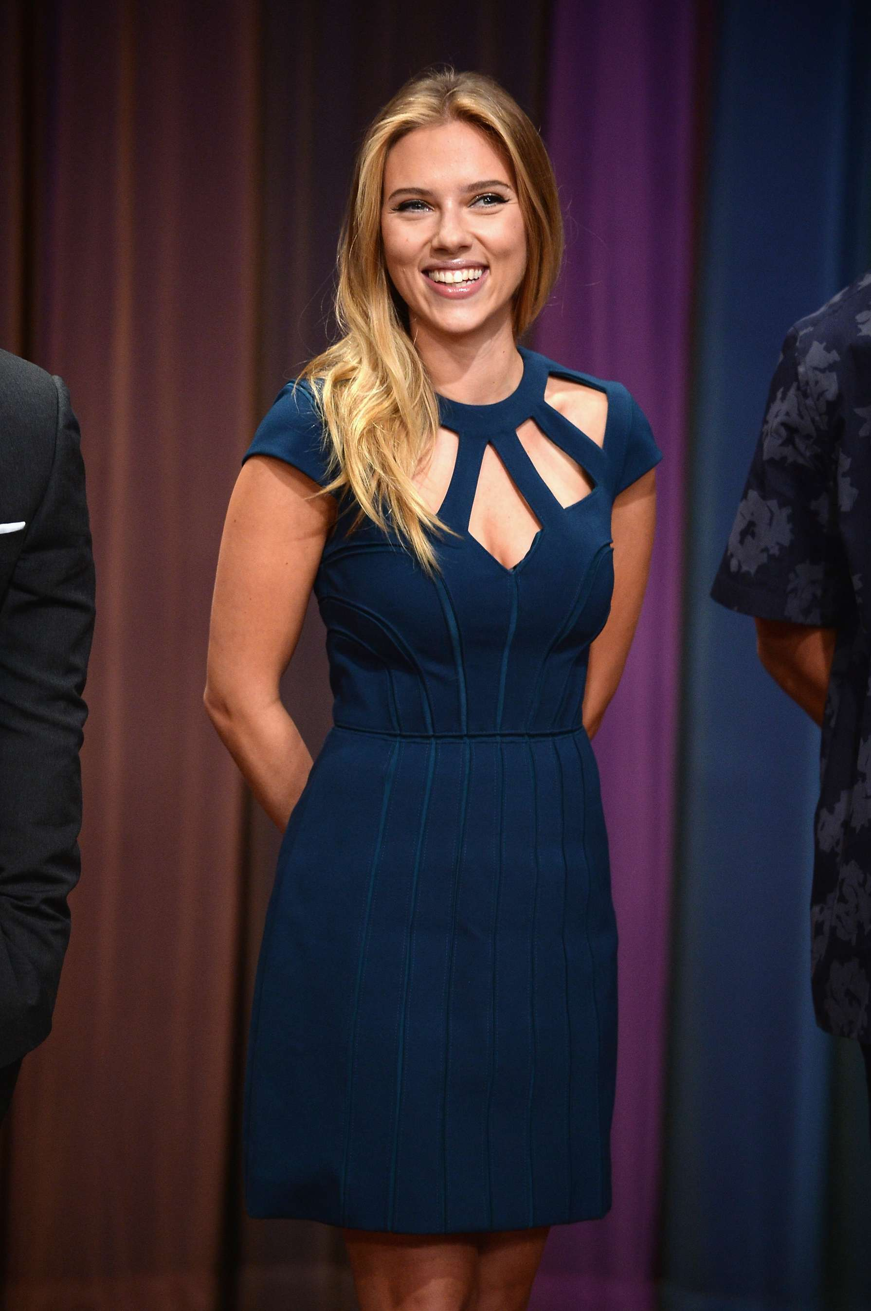scarlett johansson at jimmy fallon 2013 16 gotceleb