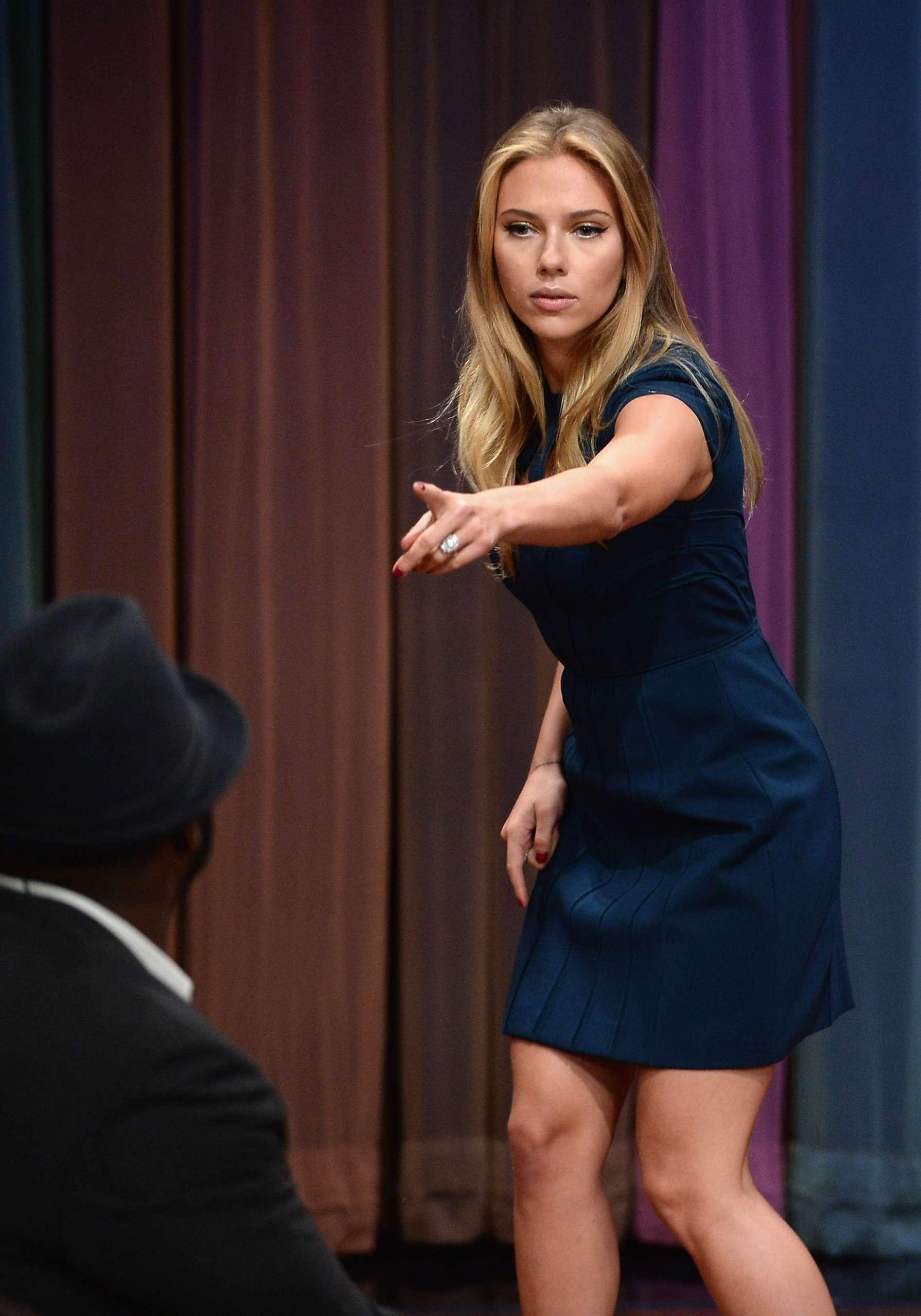 Scarlett Johansson at ... Ellen Page Height