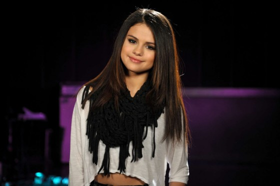 Selena Gomez at 2013 MTV Movie Awards in LA -02