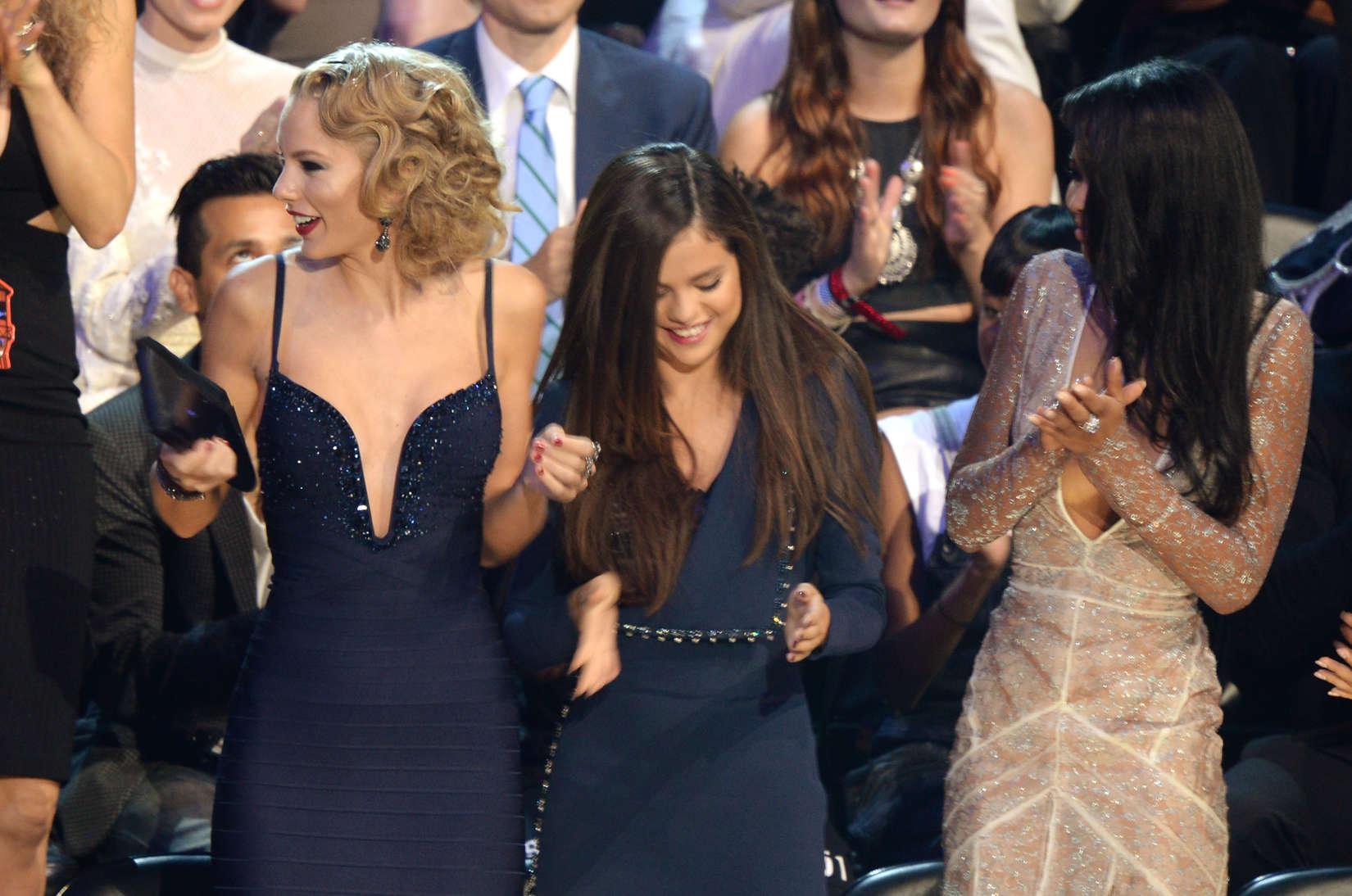 Miley cyrus vma celebrity reactions