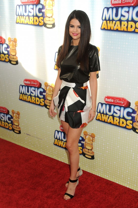 Selena Gomez – 2013 Radio Disney Music Awards -09