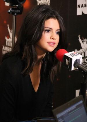 Selena Gomez - 2014 American Music Awards Radio Row in LA