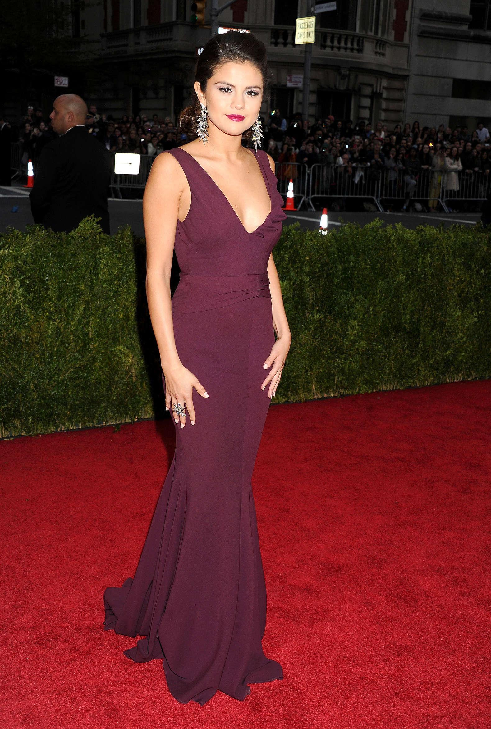 Selena Gomez 2014 Met Gala 07 Gotceleb