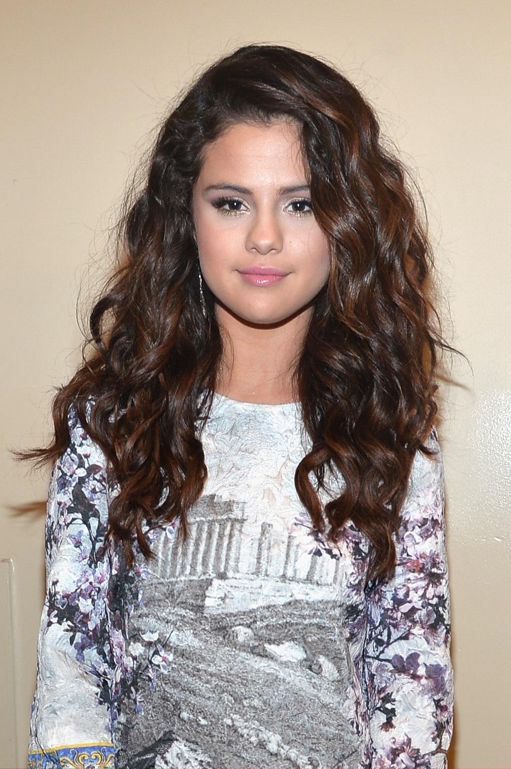 Selena gomez 2014 kids choice awards 11 gotceleb - Photo selena gomez 2014 ...