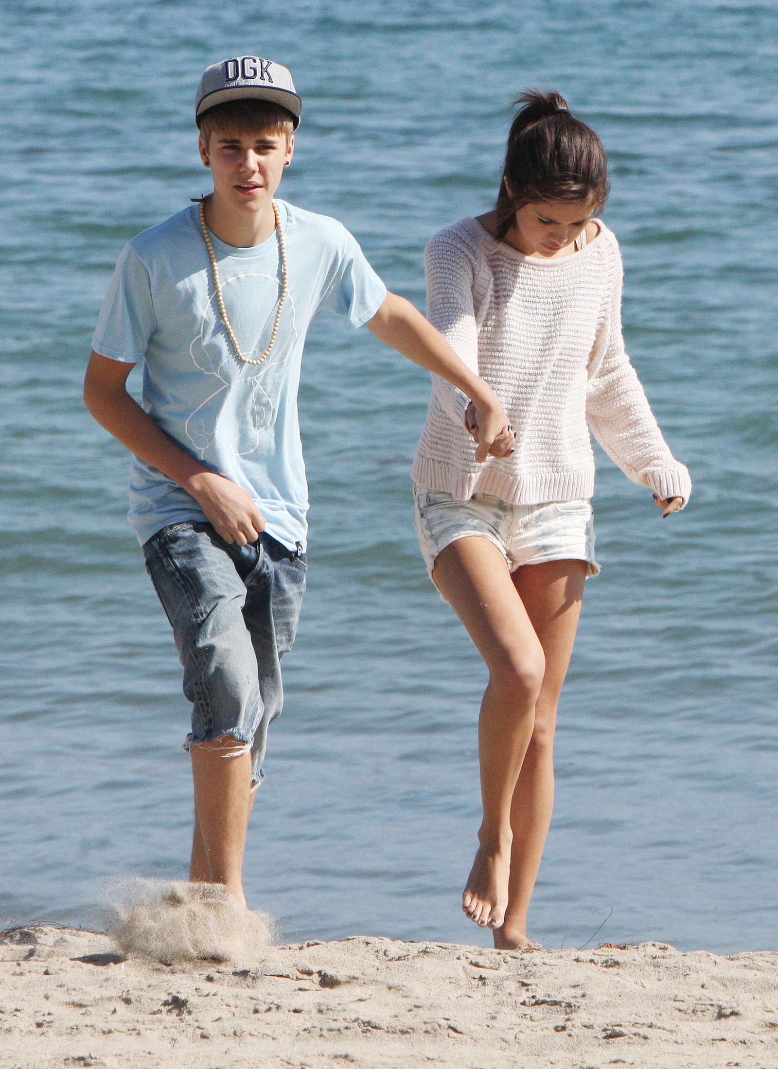 Selena Gomez and Justin Bieber -01 - GotCeleb