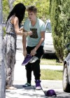 Selena Gomez and Justin Bieber - Paparazzi accident-01
