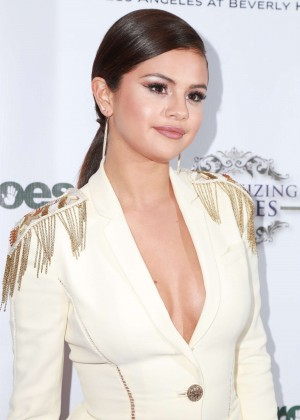 Selena Gomez - 3rd Annual Unlikely Heroes Awards Dinner and Gala in Los Angeles
