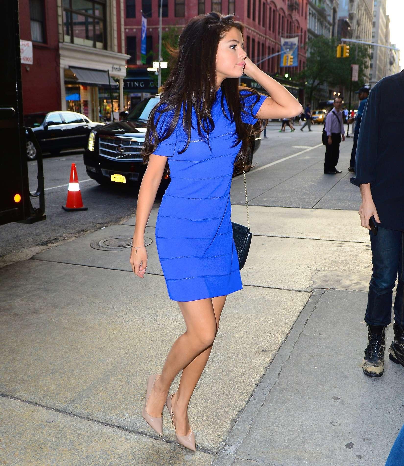 selena gomez hot in blue dress -02 - gotceleb