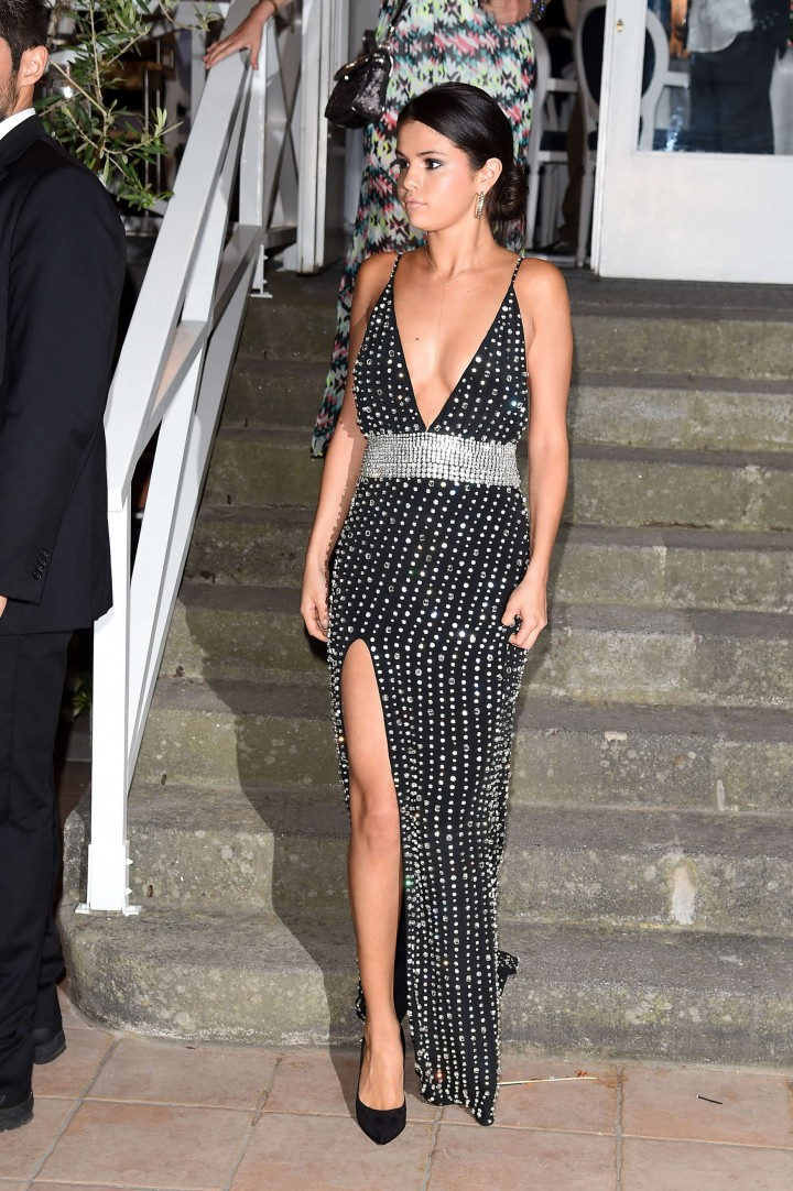 Selena Gomez Long Dress At Ischia 09