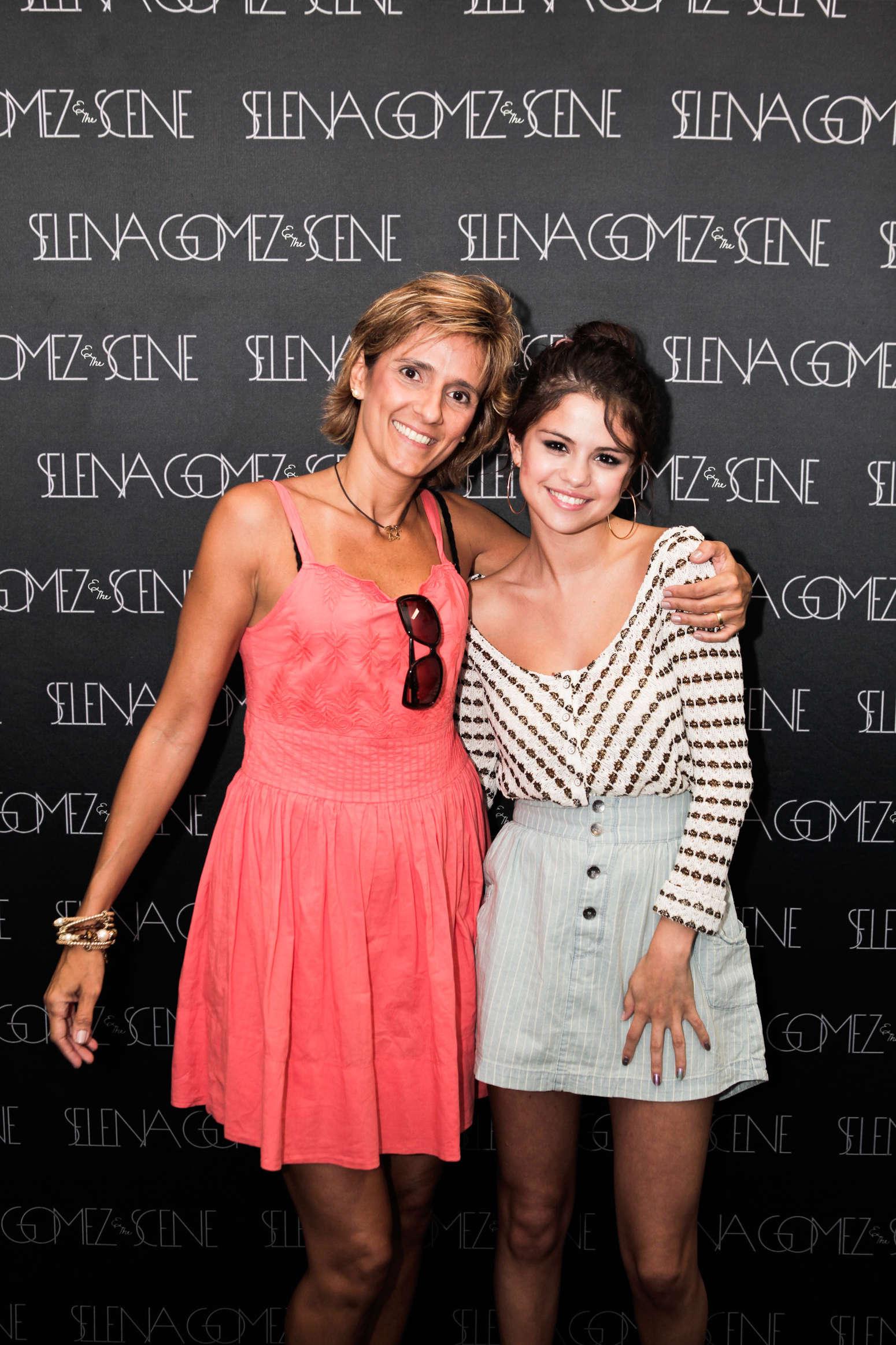 Selena Gomez At Meet And Greet In Rio 07 Gotceleb