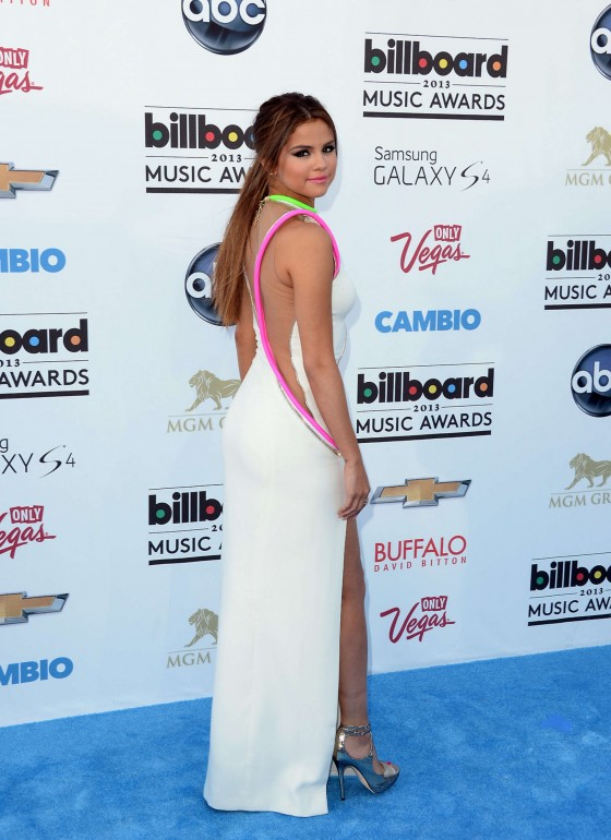 Selena Gomez in Versace Couture dress at the 2013 Billboard Music Awards -12