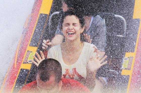 Selena Gomez Wet At Universal Studios theme park
