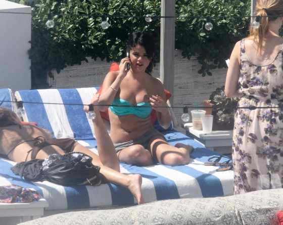 Selena Gomez - New Hot Bikini Photos-08