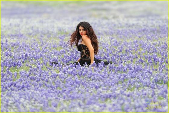 Selena Gomez – Come and Get it Pics -06