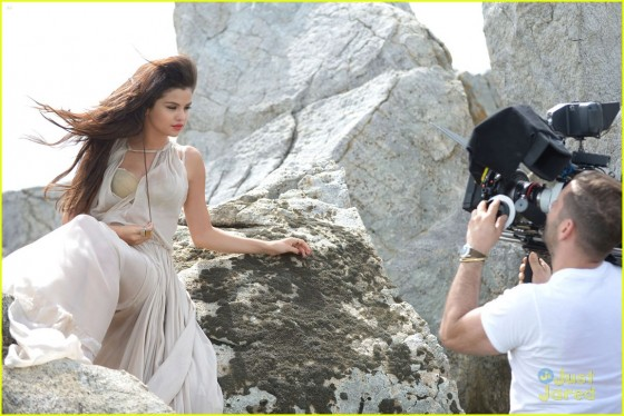 Selena Gomez – Come and Get it Pics -11