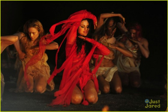 Selena Gomez – Come and Get it Pics -16