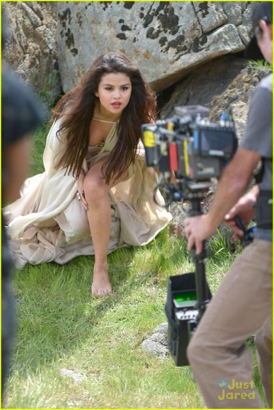 Selena Gomez – Come and Get it Pics -28