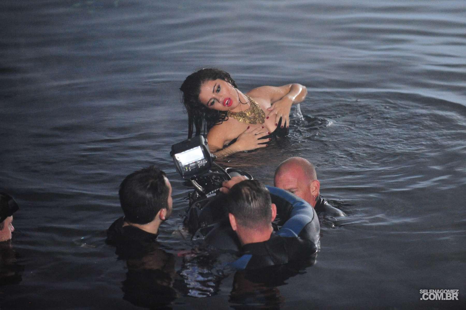 Selena Gomez 2013 : Selena Gomez – Come and Get It PhotoShot and backstage -24