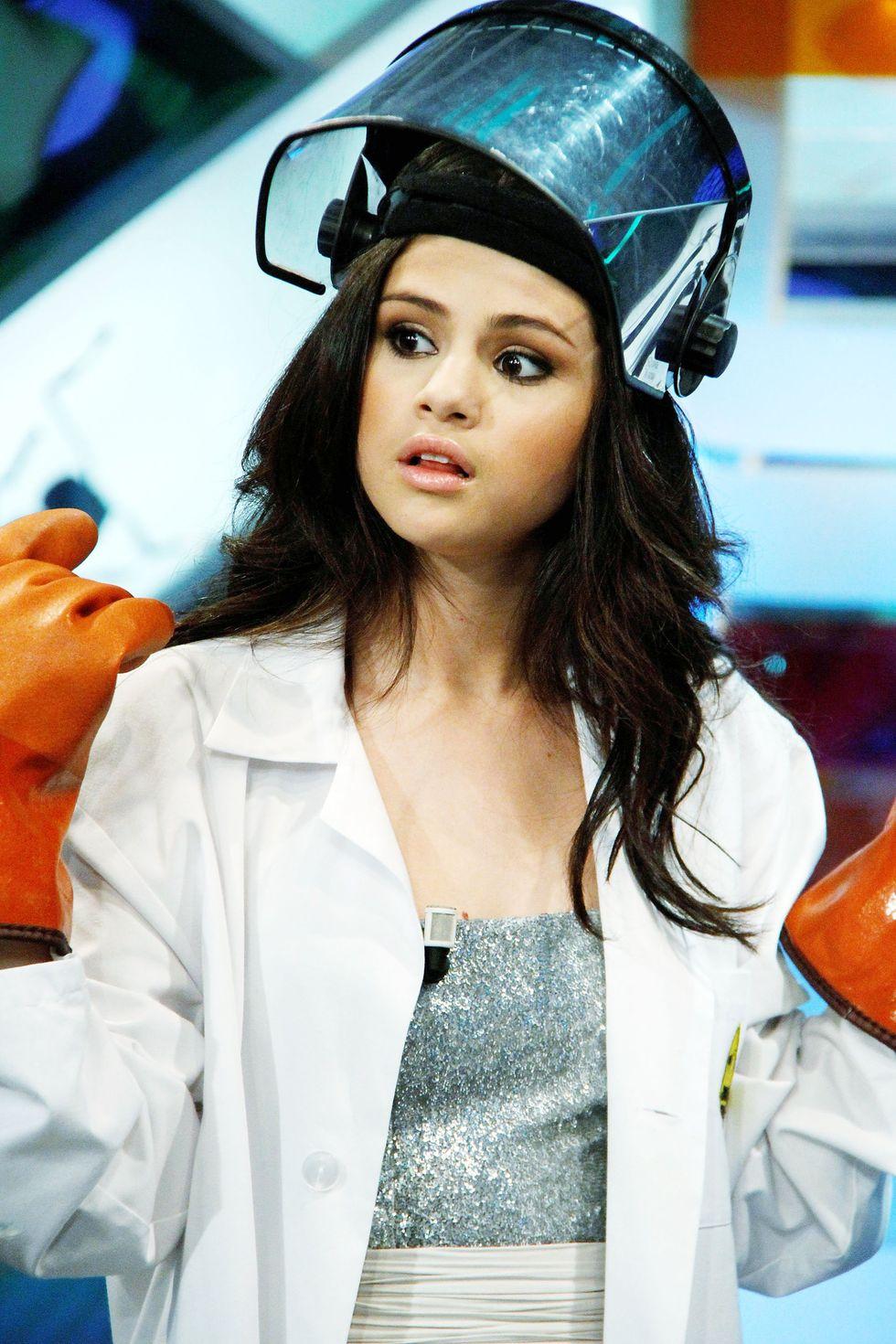 Selena Gomez 2010 : selena-gomez-el-hormiguero-tv-show-stills-hq-03