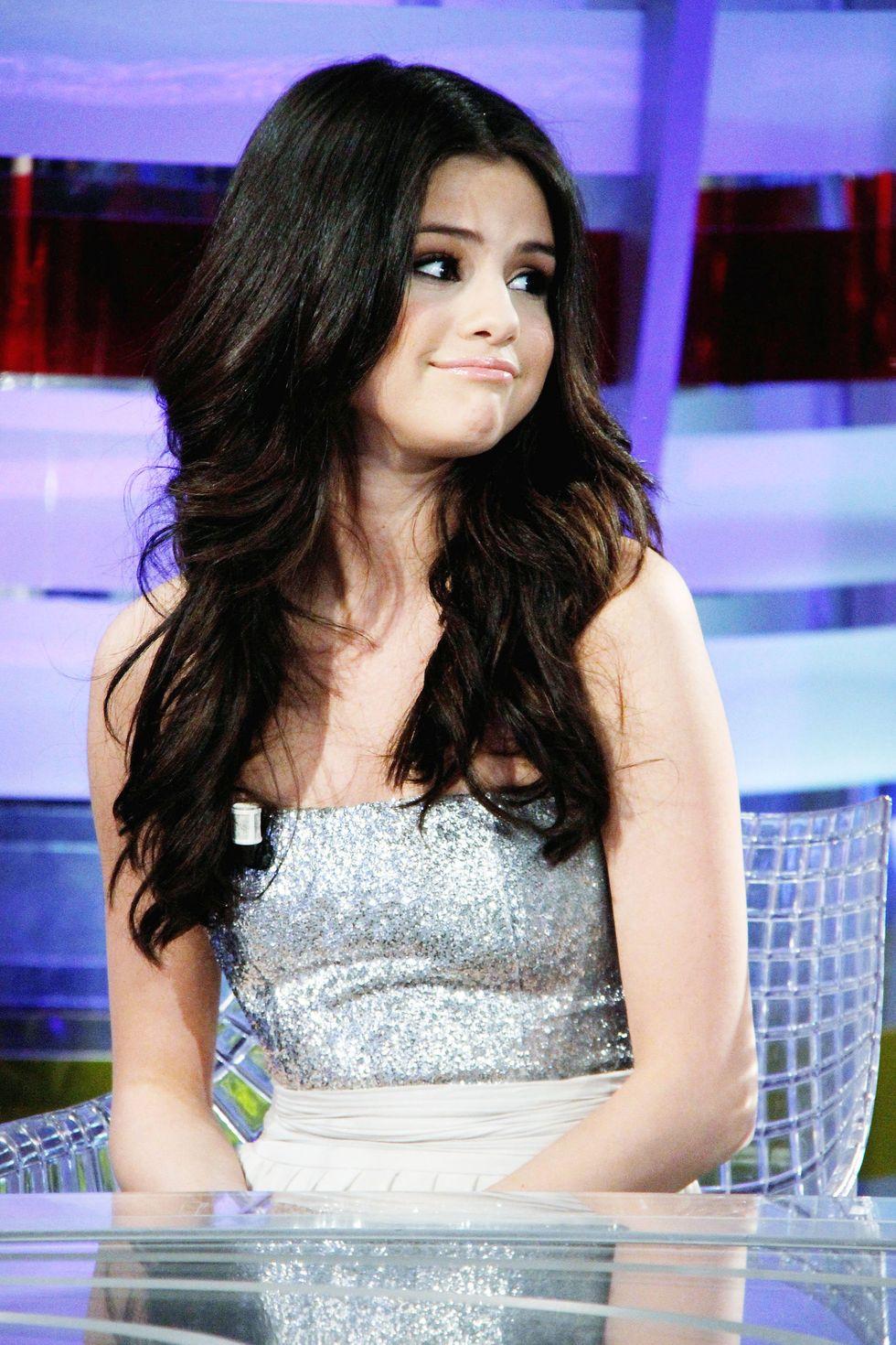 Selena Gomez 2010 : selena-gomez-el-hormiguero-tv-show-stills-hq-04
