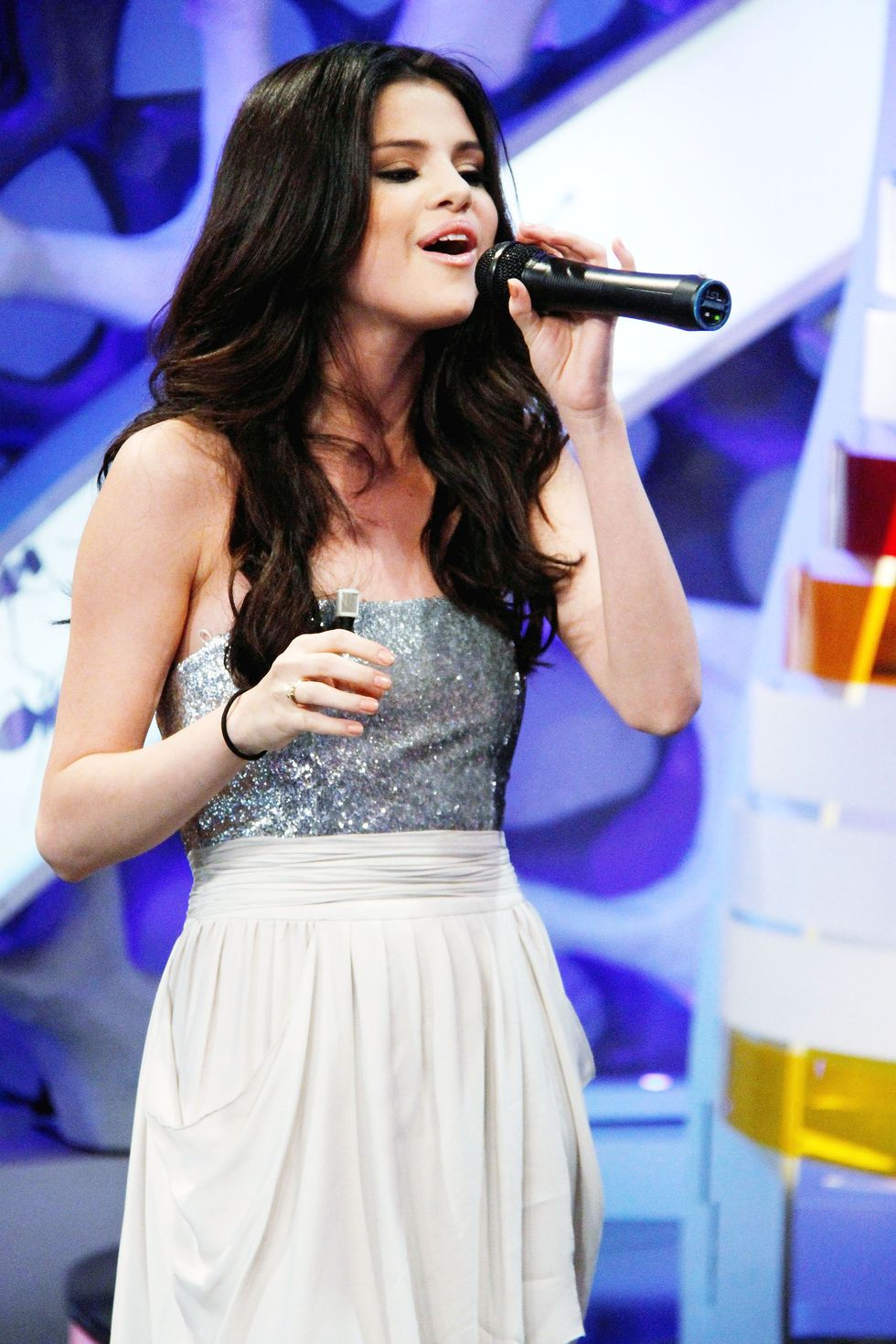 Selena Gomez 2010 : selena-gomez-el-hormiguero-tv-show-stills-hq-06
