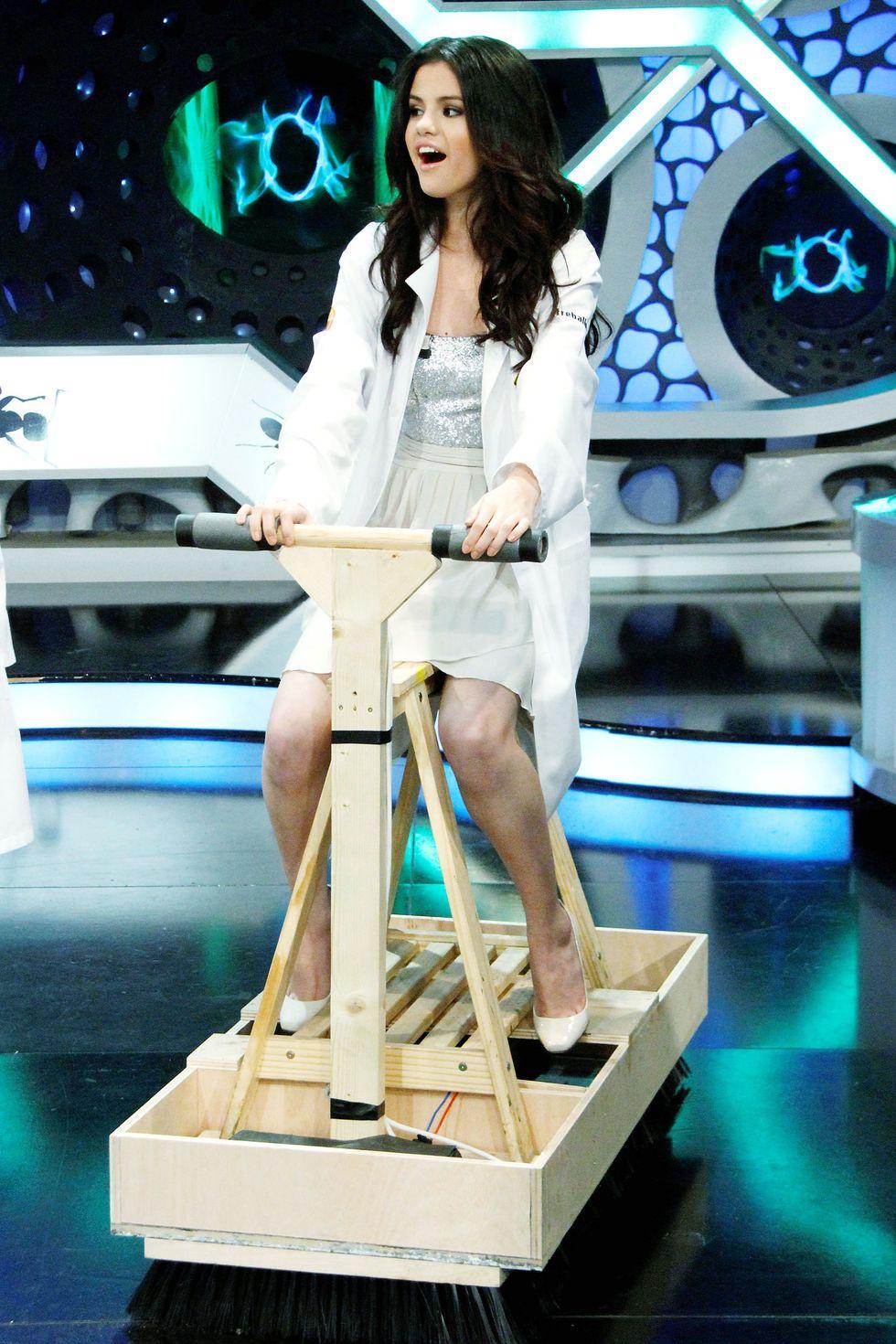Selena Gomez 2010 : selena-gomez-el-hormiguero-tv-show-stills-hq-07
