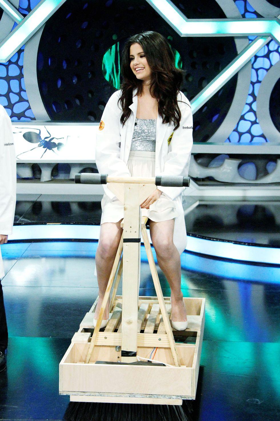 Selena Gomez 2010 : selena-gomez-el-hormiguero-tv-show-stills-hq-13