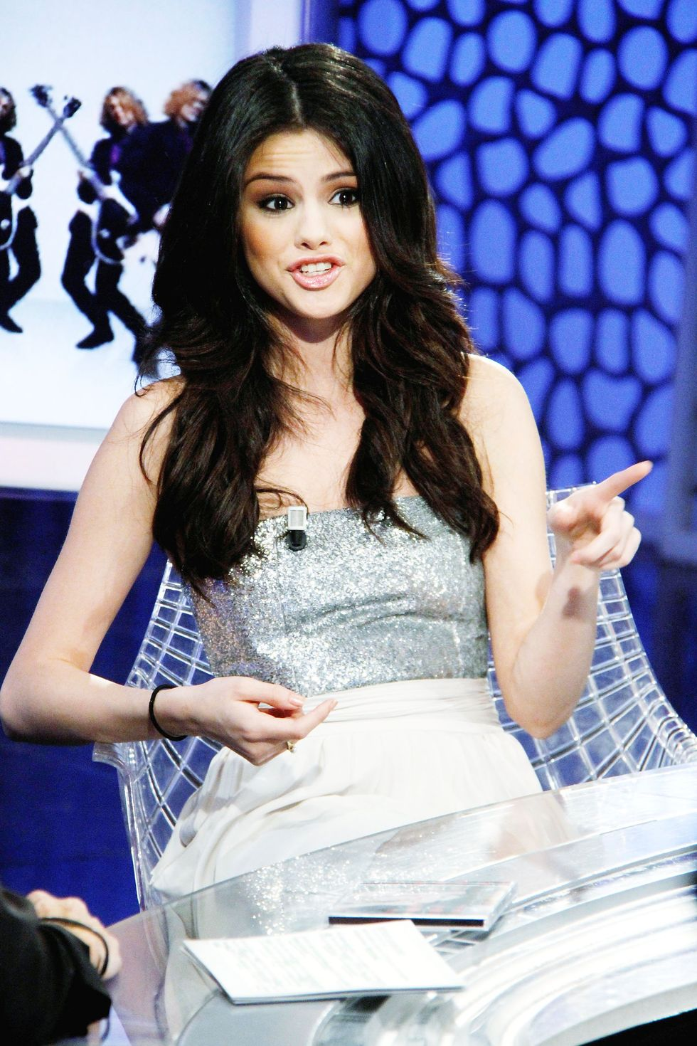 Selena Gomez 2010 : selena-gomez-el-hormiguero-tv-show-stills-hq-20