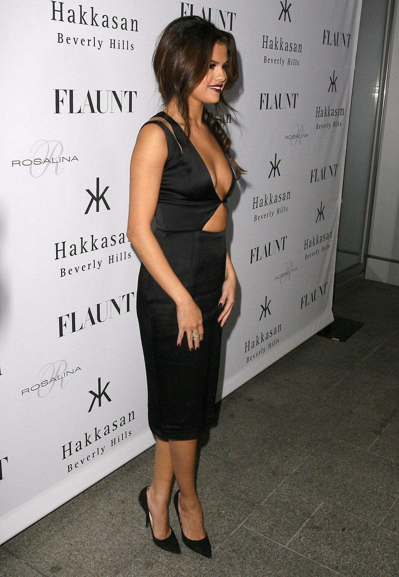 Think, you Selena gomez flaunt rather good