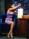 selena-gomez-late-night-with-jimmy-fallon-01
