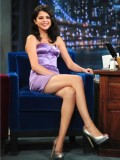 selena-gomez-late-night-with-jimmy-fallon-04