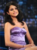 selena-gomez-late-night-with-jimmy-fallon-09