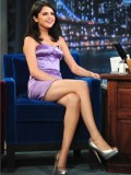 selena-gomez-late-night-with-jimmy-fallon-11