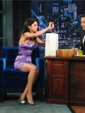 selena-gomez-late-night-with-jimmy-fallon-32