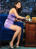 selena-gomez-late-night-with-jimmy-fallon-38
