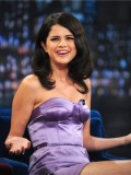 selena-gomez-late-night-with-jimmy-fallon-41