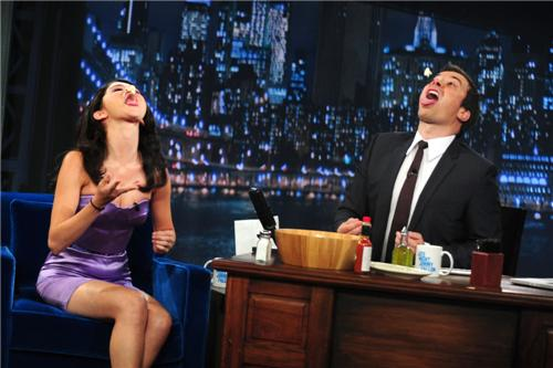 selena-gomez-late-night-with-jimmy-fallon-42