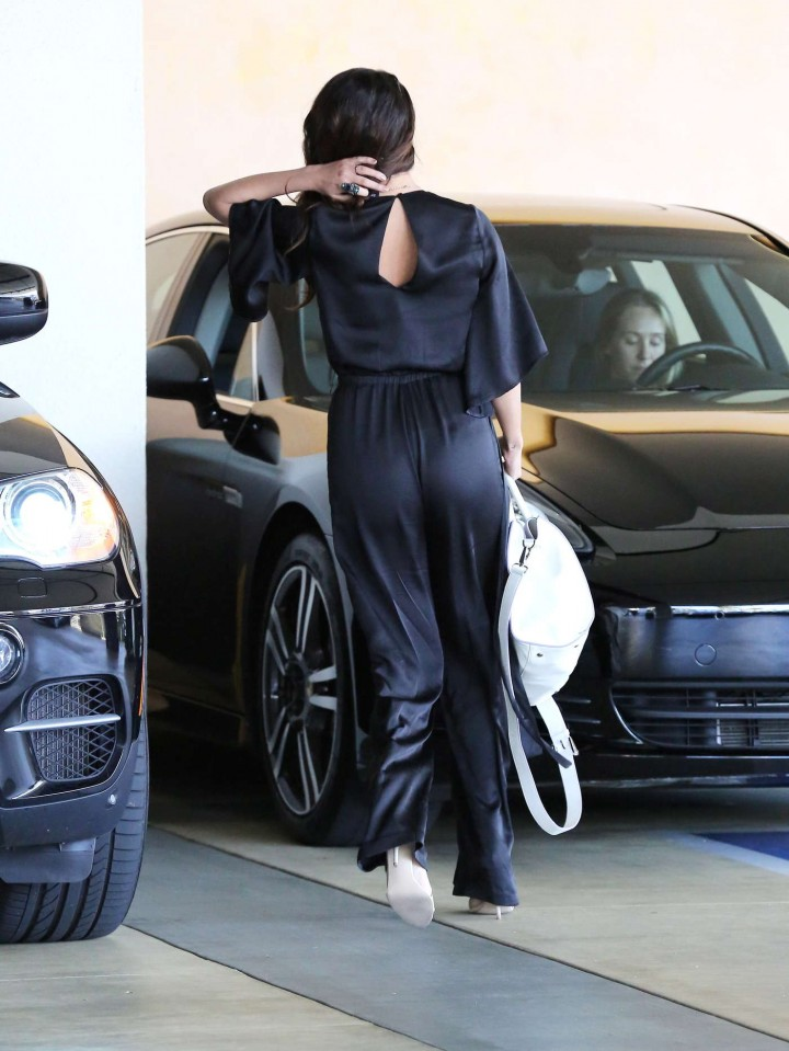 Selena Gomez out in LA -01