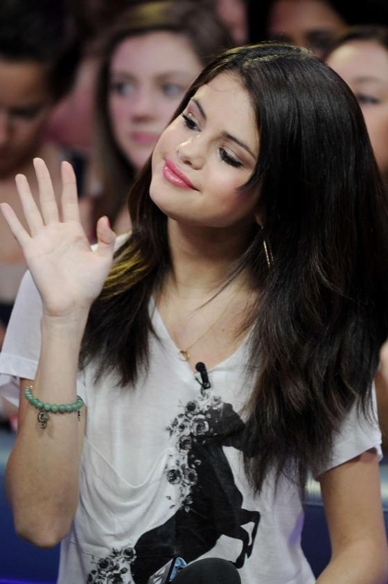 Swell Selena Gomez Much Music 02 Gotceleb Hairstyles For Women Draintrainus