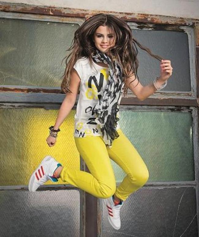 selena adidas neo - photo #17
