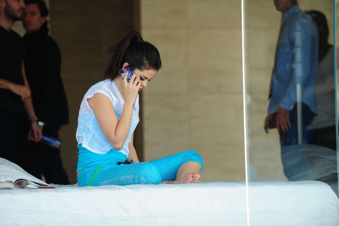 Selena Gomez on the Set of a Dream Out Loud in Los Angeles-02