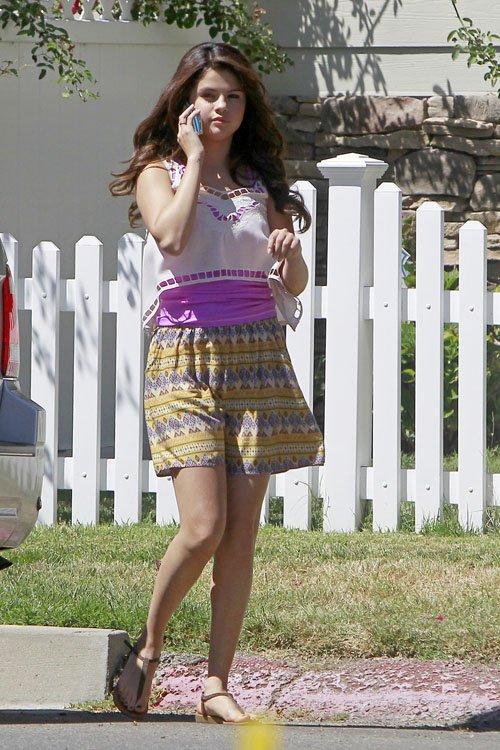Selena Gomez - Parental Guidance photos-06 | GotCeleb
