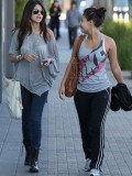 selena-gomez-out-in-la-14