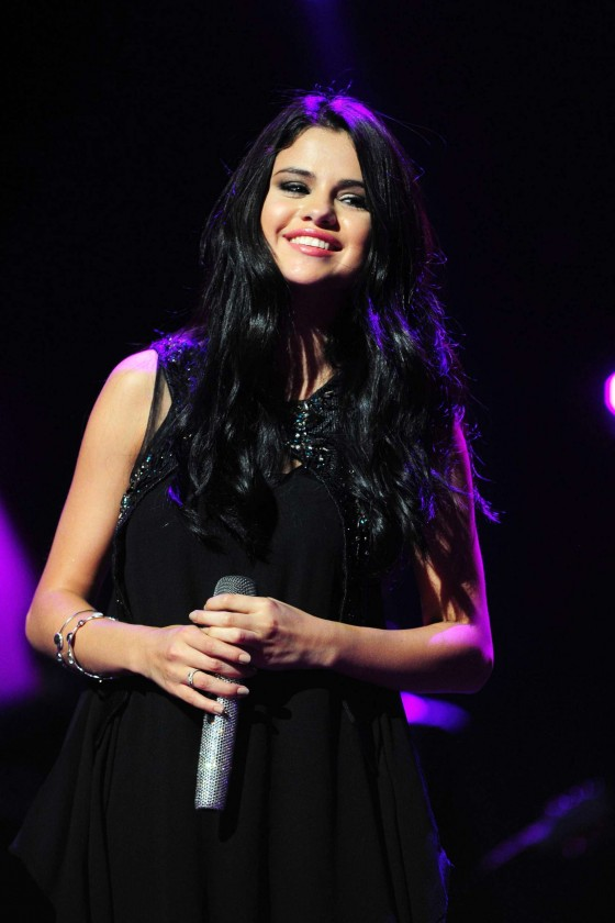 Selena Gomez � Performing at Private Concert For VEVO in LA